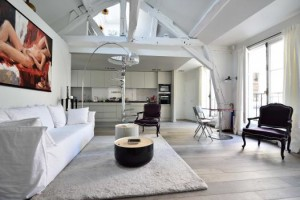 Bedrooms: 2 Bathrooms: 2 Size: 81.06 m2 loi carrez / 90.66 m2 au sol For sale: € 1 420 000 Agency Fee Included Area: 2nd Seductive property in an 18th Century mansion house, with an elegant listed staircase and impressive entrance. The property has been remodelled to the highest standard and is sold entirely equipped.  Further details and photos