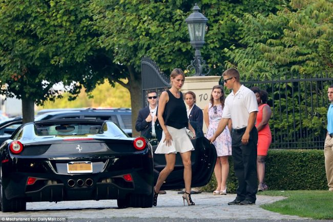 EXCLUSIVE: A Maserati, a Ferrari, a Bentley, a Porsche (and supermodel Christie Brinkley) - the VERY one per cent turn out to raise funds for Hillary Clinton's efforts to 'shuffle the pack' Exclusive Daily Mail Online pictures reveal how supermodel, 61, was guest at elite fundraiser in the Hamptons, NY Donors arrived in expensive cars including Maserati, Ferrari Spirder, Porsche, Jaguar XKR and Bentley convertibles  Before the fundraiser Clinton tweeted: 'When you see that you've got CEOs making 300x what the average worker is making, you know the deck is stacked' Democratic front runner is in $50,000 a week vacation rental but will campaign in Cleveland, Ohio, this week By LAURA COLLINS FOR DAILYMAIL.COM PUBLISHED: 21:43 GMT, 24 August 2015 | UPDATED: 01:02 GMT, 25 August 2015 Read more: http://www.dailymail.co.uk/news/article-3209466/Christie-Brinkley-Maserati-Ferrari-Bentley-Porsche-supermodel-one-cent-turnout-raise-funds-Hillary-Clinton-s-efforts-shuffle-pack.html#ixzz3k1CQnB69  Follow us: @MailOnline on Twitter | DailyMail on Facebook